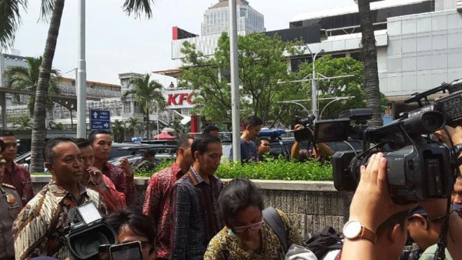 Presiden Jokowi mendatangi Gedung Sarinah, Jakarta