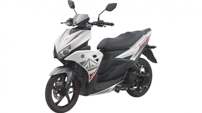 Yamaha Aerox 125 LC White