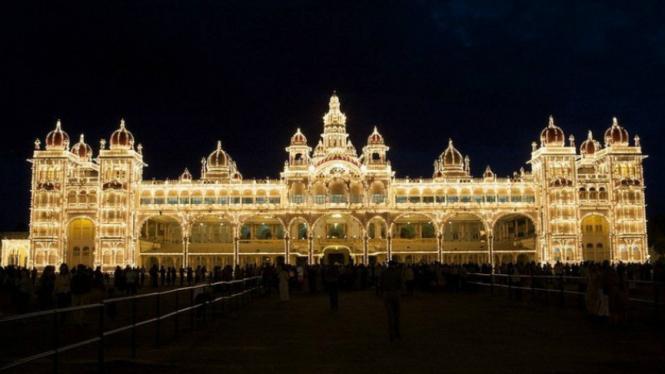Istana Mysore di India