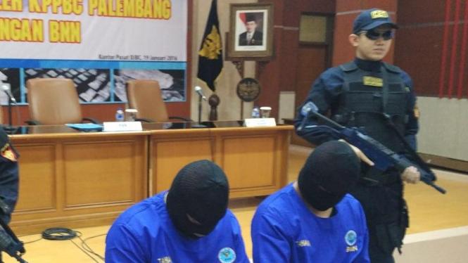 Dua tersangka narkoba di Palembang