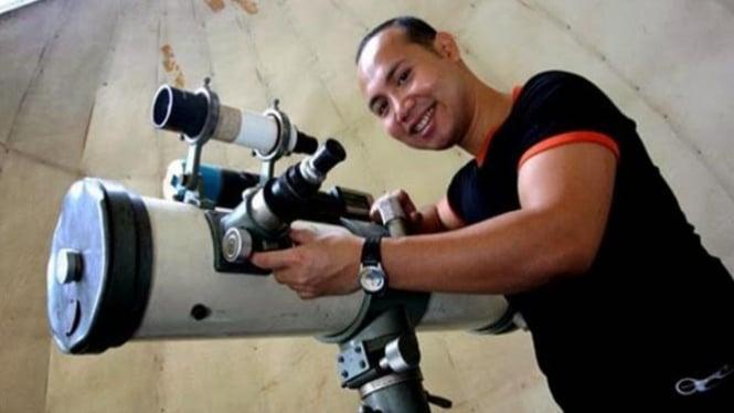 Dr. Johny Setiawan.