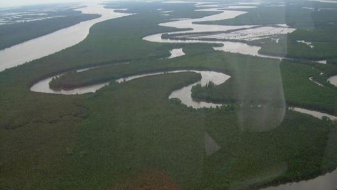 Sungai Mahakam, Kalimantan.