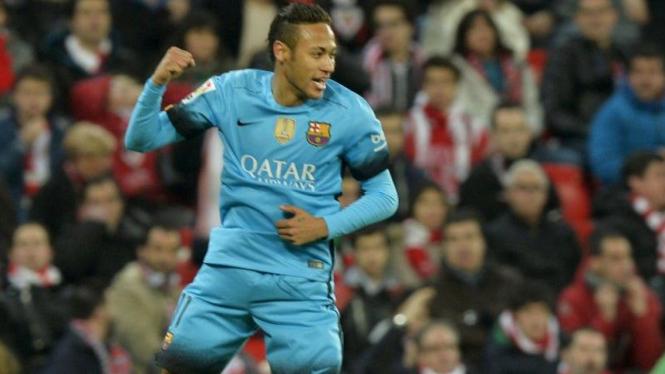 Penyerang Barcelona, Neymar, melakukan selebrasi usai mencetak gol ke gawang Athletic Bilbao di ajang Copa del Rey