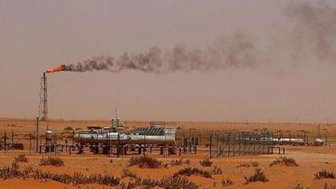 Ilustrasi kilang minyak.