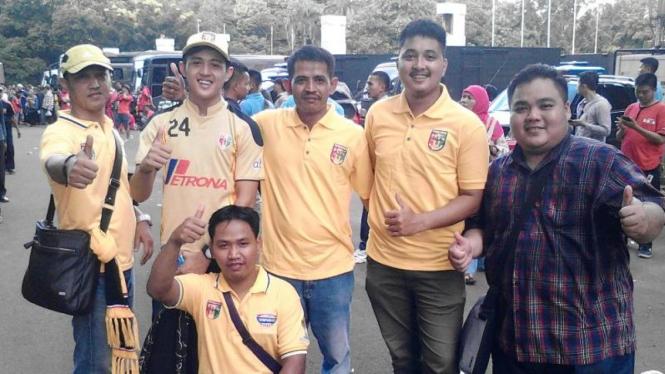 Fans Mitra Kukar jelang Final Piala Jenderal Sudirman