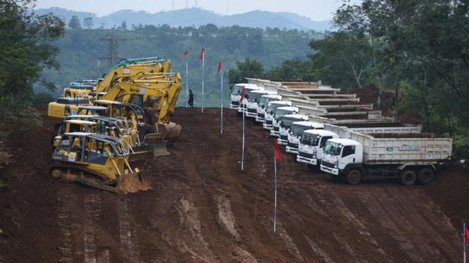 Groundbreaking pembangunan Kereta Cepat Jakarta-Bandung di Cikalong Wetan, Bandung Barat, beberapa waktu silam.