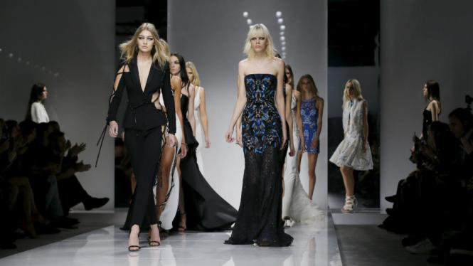 Gigi Hadid di Haute Couture Paris
