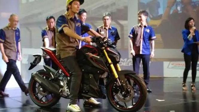 Valentino Rossi tunggangi motor baru Yamaha, Xabre.