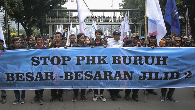 Ribuan buruh kembali melakukan aksi unjuk rasa