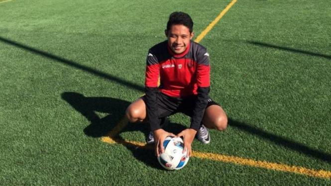 Pemuda Indonesia punya kesempatan susul jejak Evan Dimas ke Espanyol.