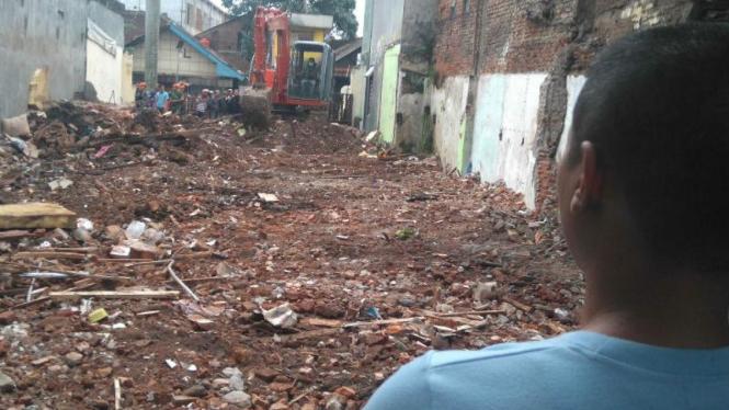 Rumah Mujianto yang tertimpa badan pesawat kini rata dengan tanah