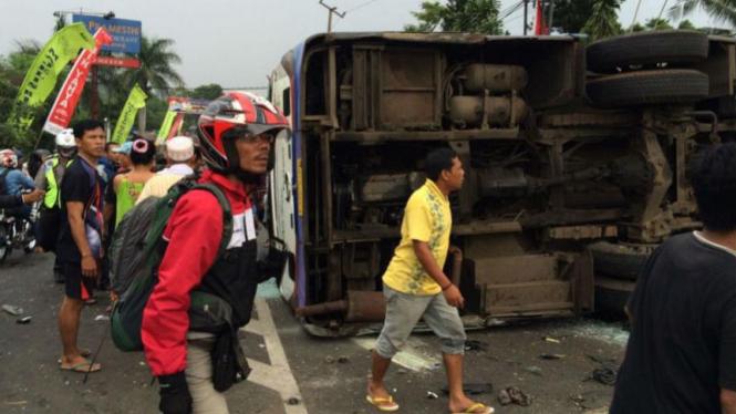 Kecelakaan Beruntun di Puncak, Bogor, Jawa Barat