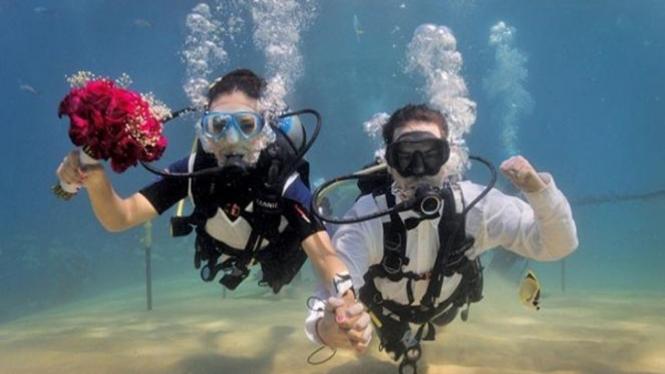 pernikahan bawah air