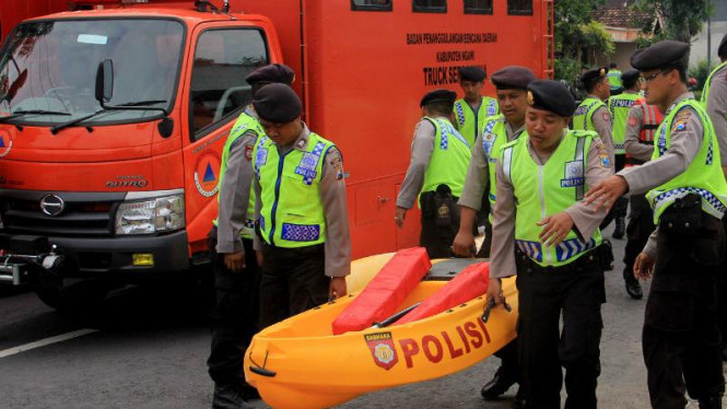 Ngawi Cemas Hadapi Ancaman Banjir karena Perahu Karet Rusak