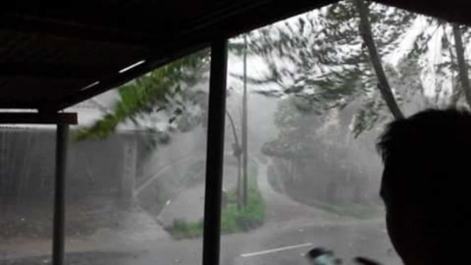 Hujan es di Lombok