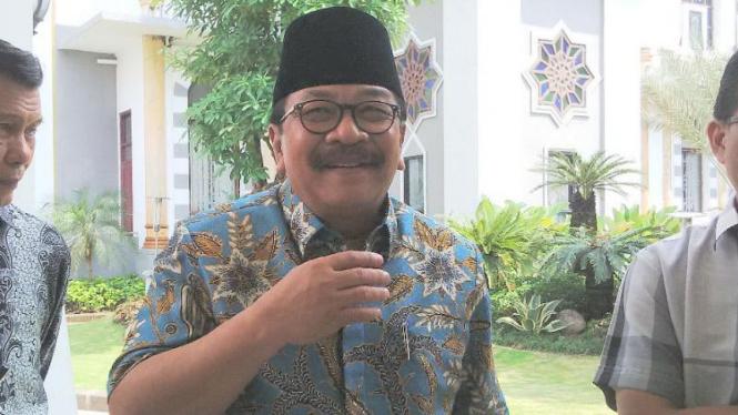 Gubernur Jawa Timur, Soekarwo.