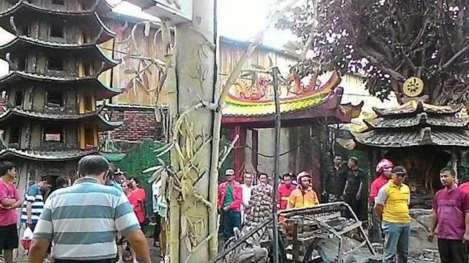 Vihara Buthong pascakebakaran, Tangerang, Jumat dini hari (19/2/2016)