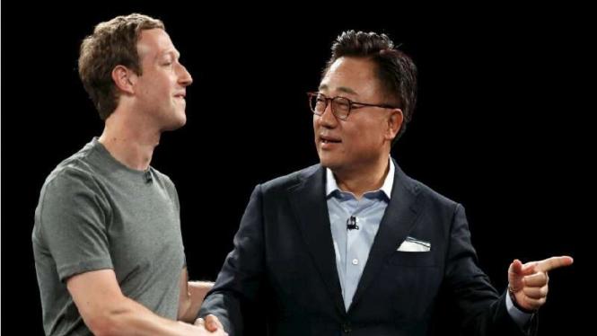 CEO Facebook, Mark Zuckerberg dalam pengumuman Galaxy S7