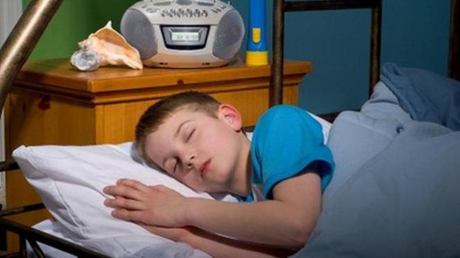 Anak sulit bangun tidur.