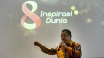 https://thumb.viva.co.id/media/frontend/thumbs3/2016/02/24/56cd718c3822e-8-tahun-tvone-inspirasi-dunia_213_120.jpg