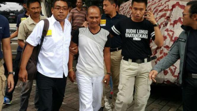 Daeng Azis saat ditangkap polisi