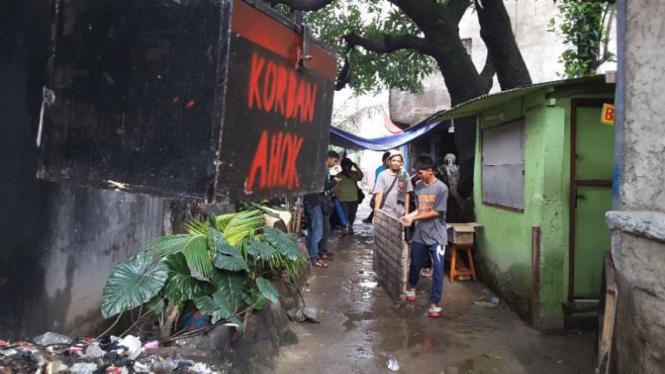 Kotak amal 'Korban Ahok' di Kalijodo, Jakarta