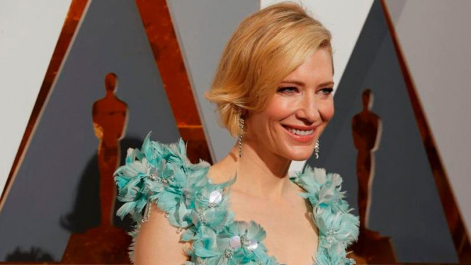 Cate Blanchett di karpet merah ajang Academy Awards ke-88 di Hollywood, AS.