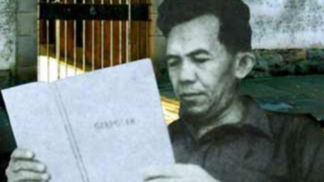 Tan Malaka, aktivis kemerdekaan Indonesia, filsuf kiri, pemimpin Partai Komunis Indonesia.
