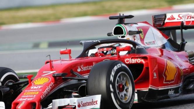 Kimi Raikkonen saat mengendarai Ferrari
