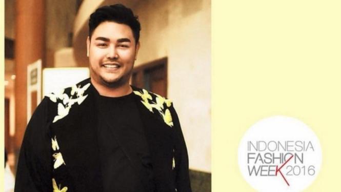 Ivan Gunawan menjadi salah satu panitia di Indonesia Fashion Week (IFW) 2016.