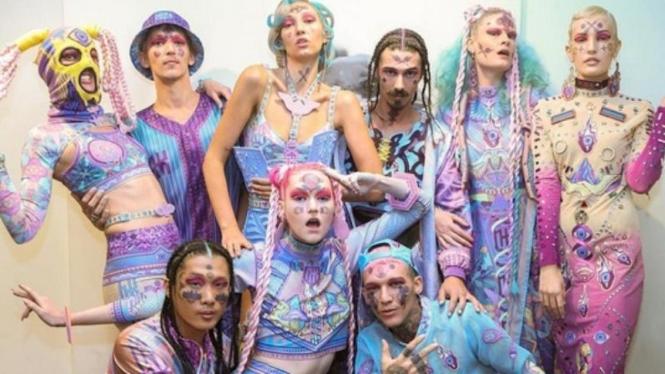 Koleksi Nixi Killick Virgin Australia Melbourne Fashion Festival (VAMFF), di HP Experience Centre, Melbourne.