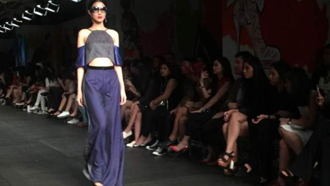 Koleksi Sinudarsono di Plaza Indonesia Fashion Week (PIFW) 2016.