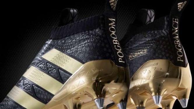 Sepasang sepatu baru yang dibuat khusus oleh Adidas untuk Paul Pogba