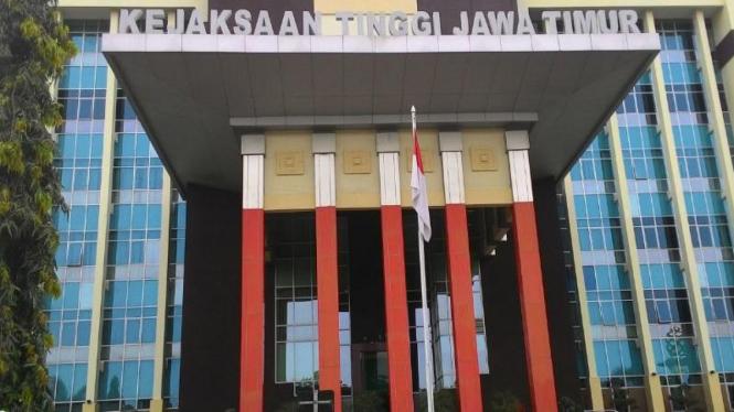 Kantor Kejaksaan Tinggi Jawa Timur di di Jalan A Yani, Surabaya.