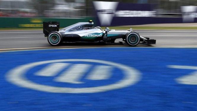 Pembalap Mercedes, Nico Rosberg, di F1 2016 GP Australia