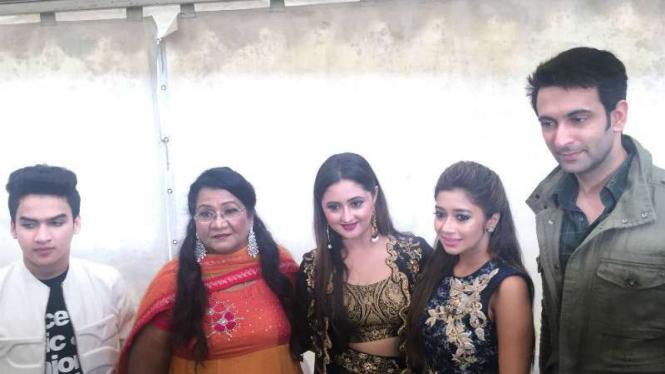 Para pemeran film Uttaran dan Mahaputra