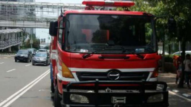 Mobil pemadam kebakaran.