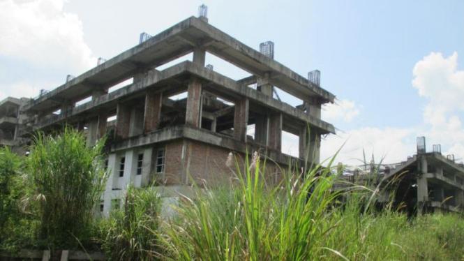 Kondisi salah satu bangunan di kompleks olahraga Hambalang.