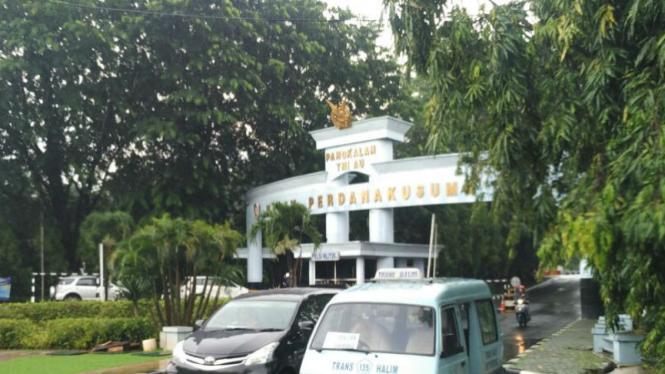 Gerbang Bandara Halim Perdanakusuma
