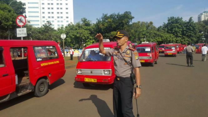 Demo sopir angkutan umum di Jakarta