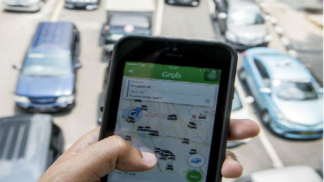 Aplikasi layanan transportasi berbasis pesan online.