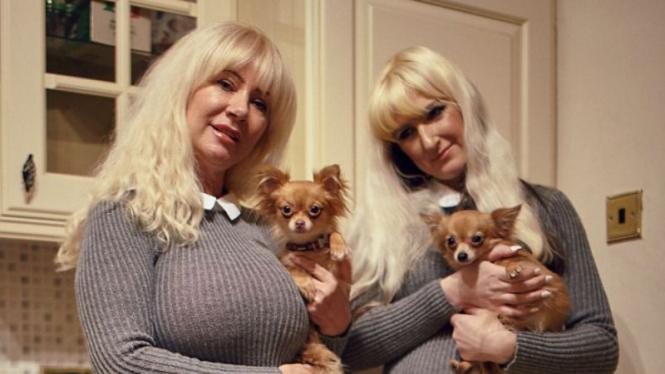 Janet Horrocks (57) dan Jane Cunliffe (35)