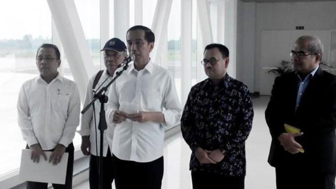 Presiden Joko Widodo dan jajarannya.