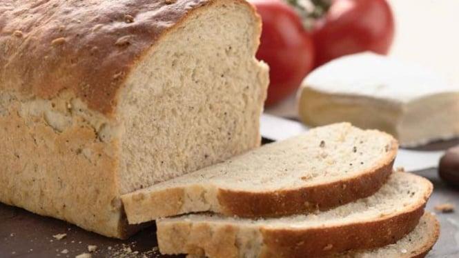 Roti tawar.