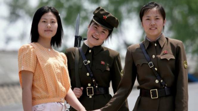 berkunjung ke korea utara
