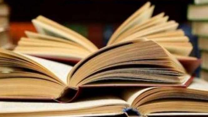 Buku.