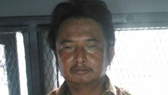 Irwan Yusuf ditangkap petugas Dinas Sosial karena mengemis di jalan. Dia mengaku sebagai ayah artis Marshanda.