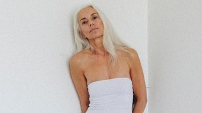Yazemeenah Rossi, model pakaian renang berusia 60 tahun.