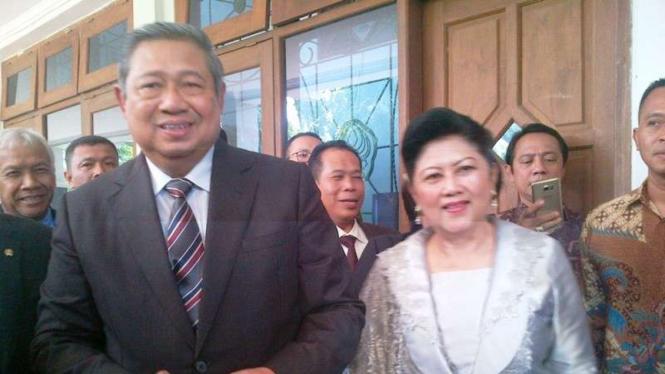 Ketua Umum Partai Demokrat Susilo Bambang Yudhoyono dan Ani Yudhoyono.
