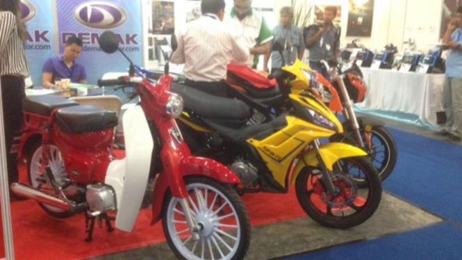 Demak motor memamerkan sejumlah produknya di Indonesia.